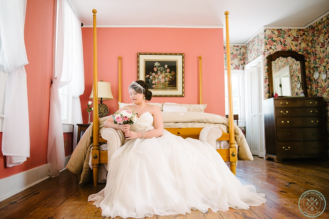 Aaron Nicholas Photography, Old Wide Awake Plantation Bridal session, blush veil, Charleston bridal session, Charleston bridals, Aaron Nicholas Photography, Bridal session at a plantation