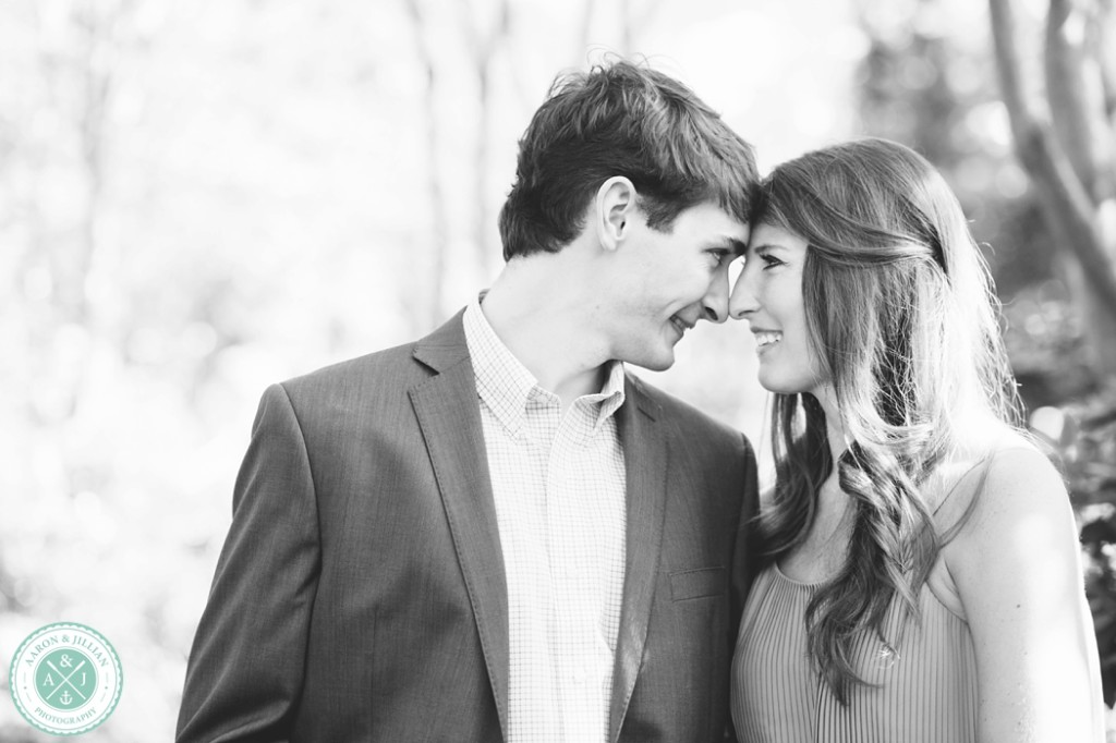 Downtown Charleston engagement photos by Aaron and Jillian Photography -_0007
