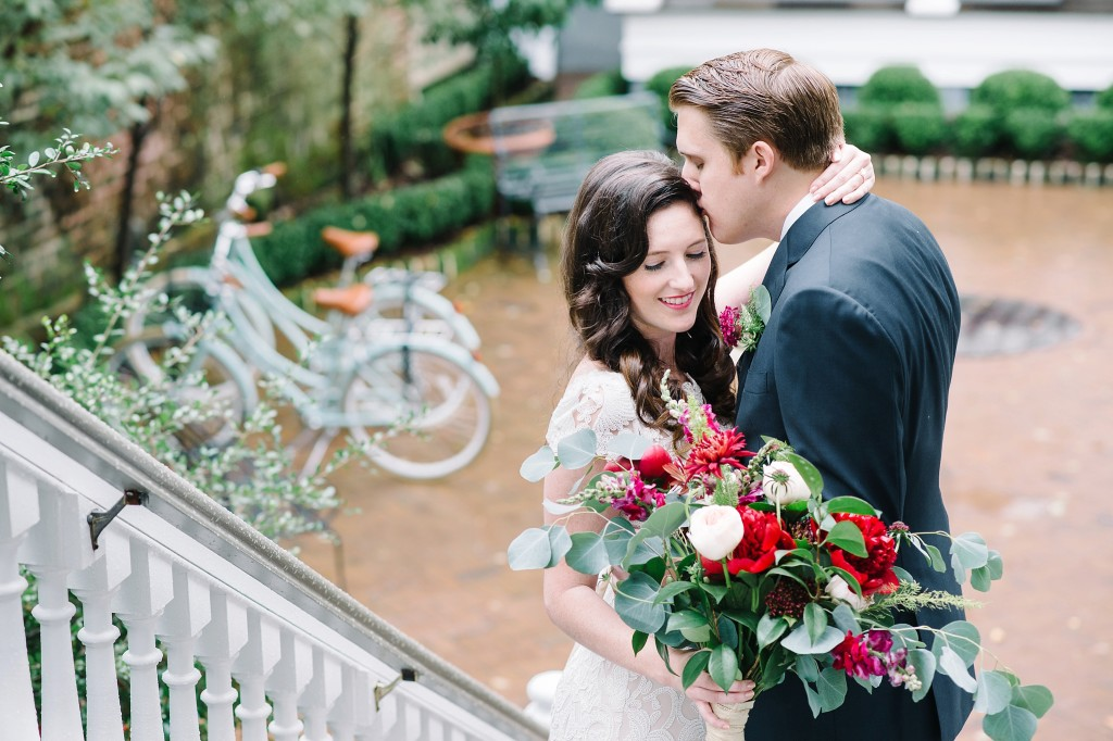 Styled elopement photos by Charleston wedding photographer Aaron and Jillian Photography -_0019