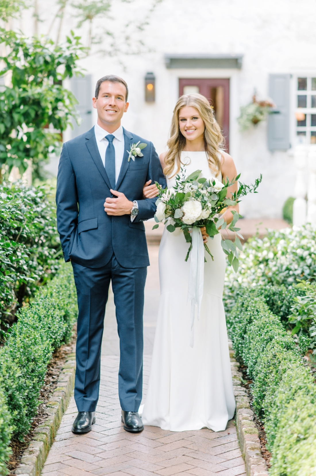 Legare Waring House elopement in Charleston, SC wedding photography by Aaron and Jillian Photography_0035