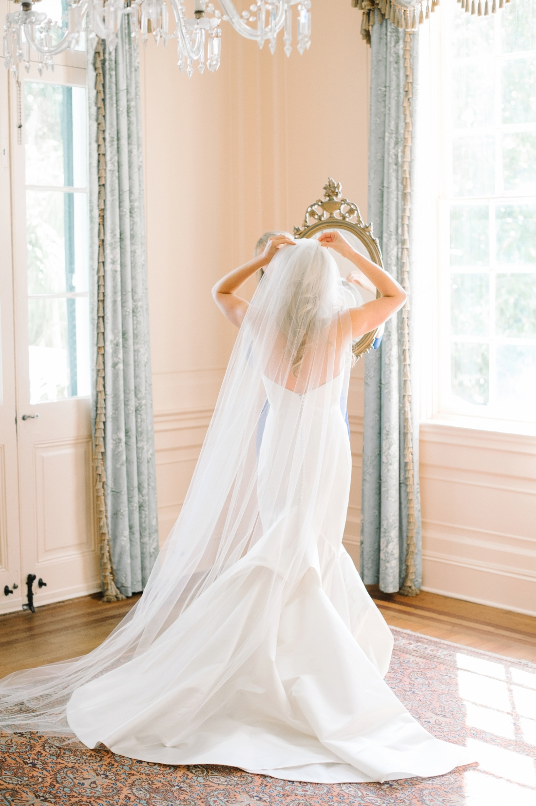 lowndes-grove-wedding-by-charleston-wedding-photographer-aaron-and-jillian-photography_0025