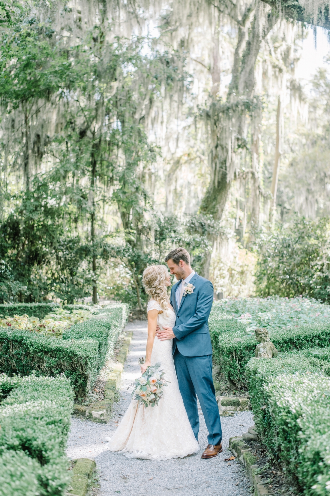 jermiah-and-shelbys-magnolia-plantation-wedding-in-charleston-by-charleston-wedding-photographers-aaron-and-jillian-photography-_0006