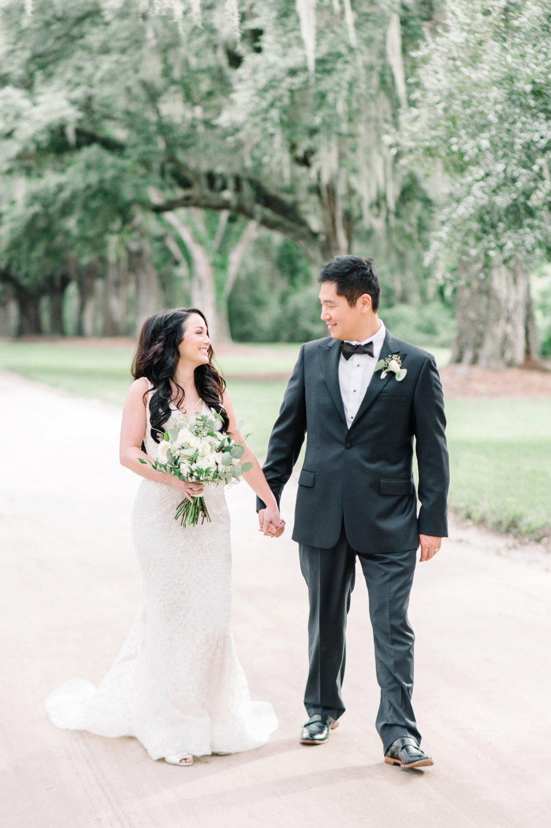 thomas-and-callas-boone-hall-plantation-wedding-by-charleston-wedding-photographers-aaron-and-jillian-photography-_0034