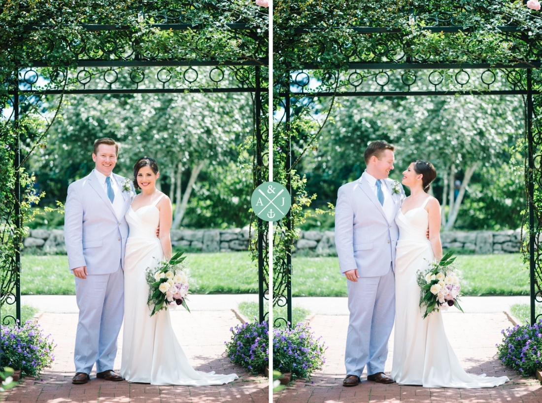 Bride and groom portrait at a New York Botanical Gardens wedding by Charleston wedding photographers Aaron and Jillian Photography -_0049